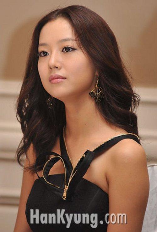 Moon Chae Won1